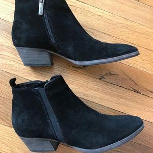 Women's AQUATALIA Booties Size 8 Black Suede